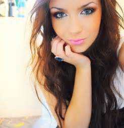 brown hair green eyes girl picture 17