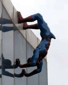 giant penis sculpture picture 3
