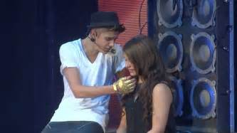 justin beber-one less lonely girl picture 2
