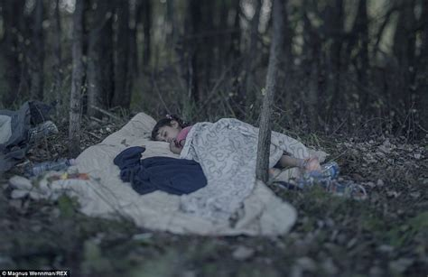 falls asleep in the woods picture 9
