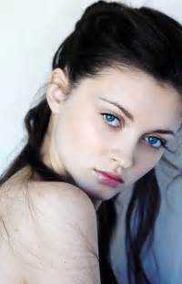 does black hairplement pale skin picture 1