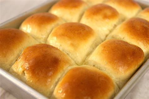 easy yeast rolls picture 3