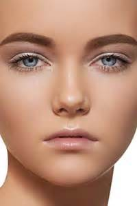 applying make up dark skin picture 7