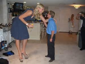 husband size comparison captions picture 2