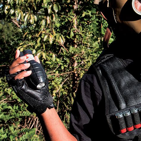 smoke grenade with pin picture 3