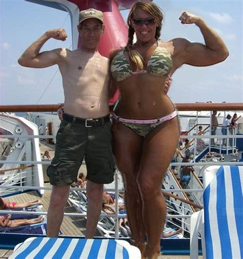 female bodybuilder wrestling man picture 2