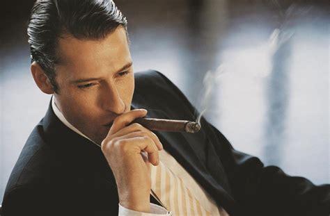 men who smoke cigars picture 1