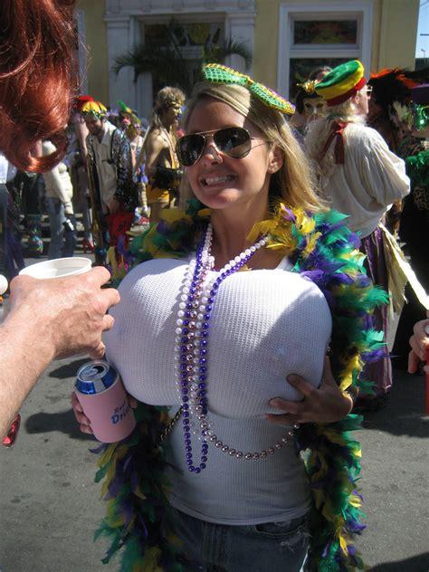 women men flashing street festables picture 6