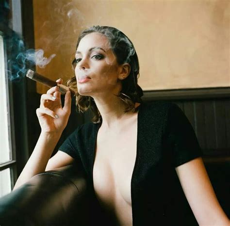 female smoking captain black cigar picture 11