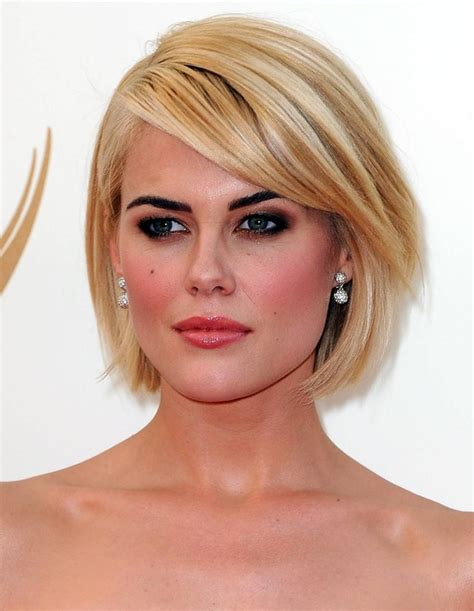 smooth sleek sexy glam prom hair picture 7