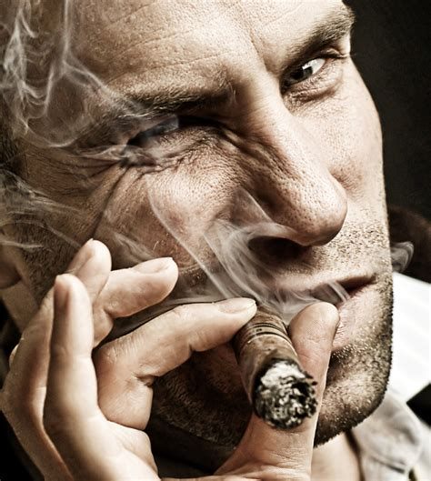 men who smoke cigars picture 1