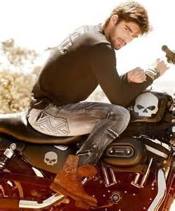 cool boys in leather smoking picture 7
