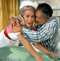 women nurses bathing male patients picture 3