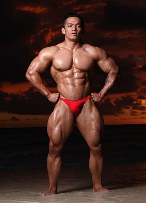 pinoy muscle men hunk picture 1