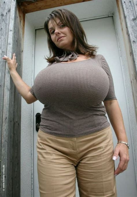 3-d huge breast picture 7