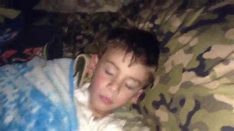 my small brother when i sleep picture 1