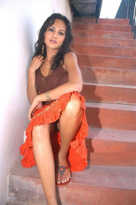 malayali call girls dubai picture 9