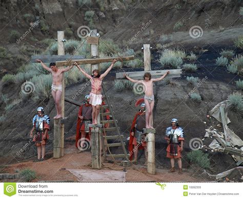 3d cartoons women crucified on cross picture 2