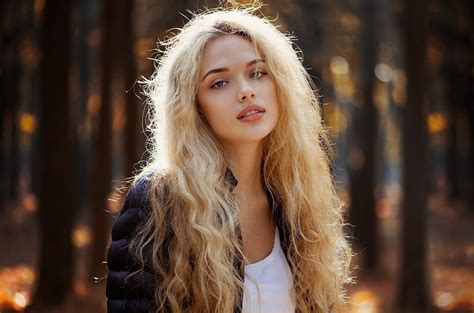 blonde hair scholarship picture 7
