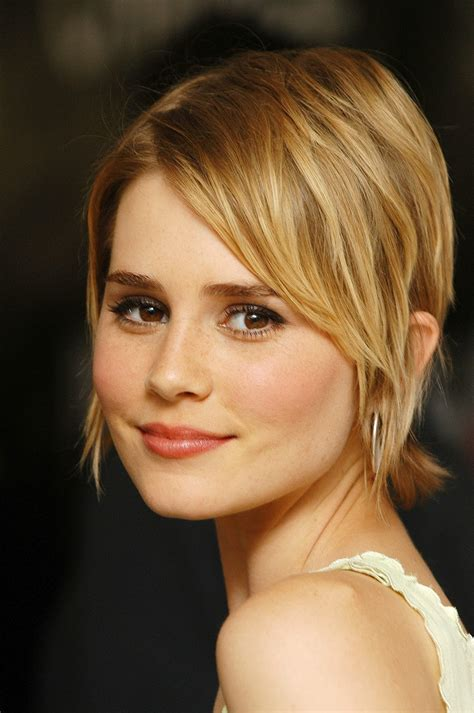 alison lohman hair picture 3