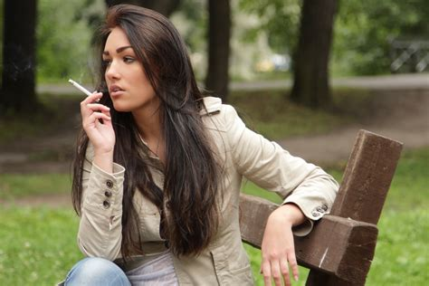 women that smoke methel cigarettes picture 11