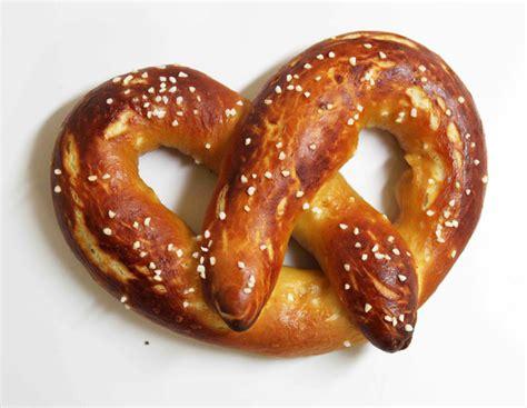 yeast dough pretzels picture 3