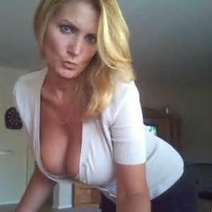 moms s sex pics picture 3