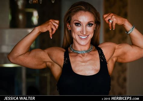 female muscles picture 14