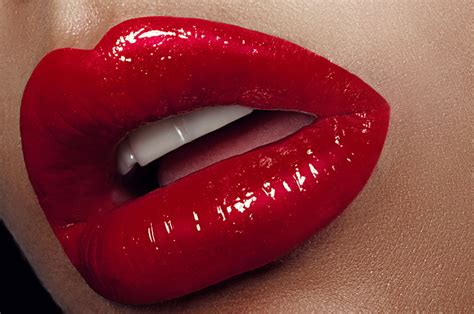 red glossy lips picture 11