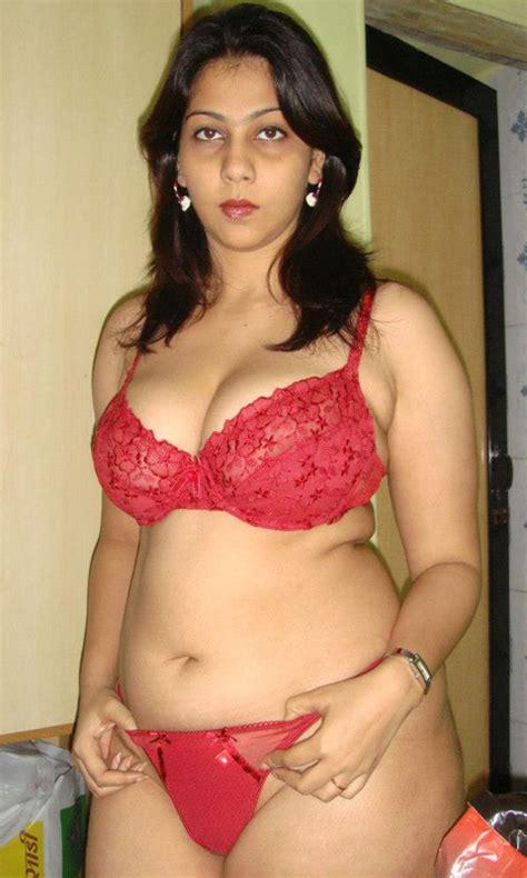 desi moti saree aunty xnxx page list com picture 7