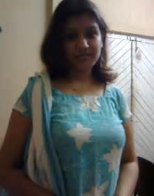 tamil real hot aunty hair arms picture 6