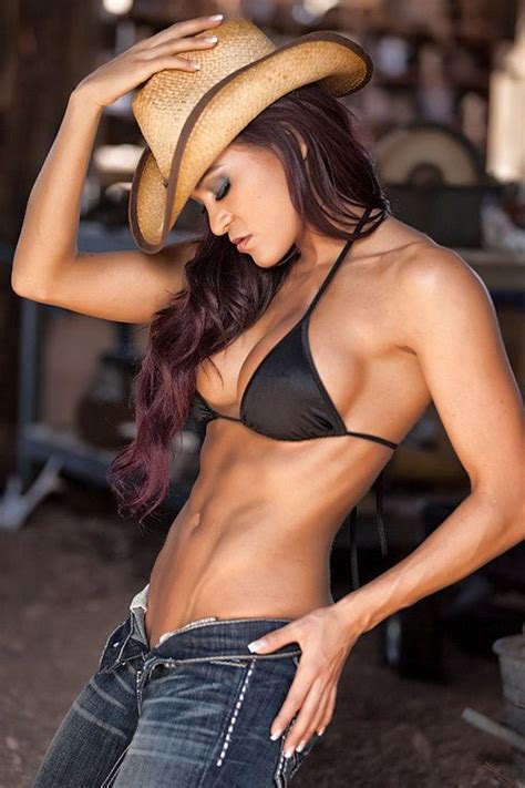 israeli female muscle picture 3