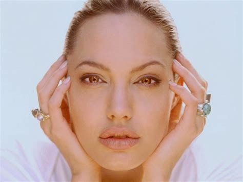 angelina jolie acne picture 6