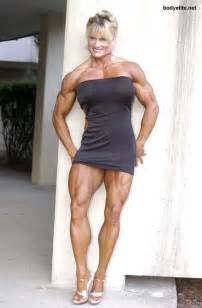 akila pervis ebony muscle picture 7