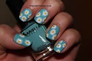 toothe whitening pens on yellow nails picture 3