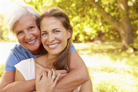femei care sug pula 60 de ani picture 3