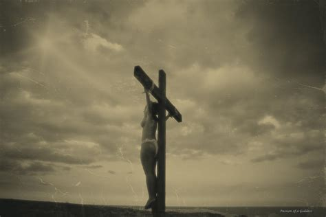 crucixions of women picture 11