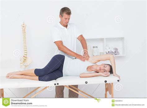 doctor examining his patient picture 9