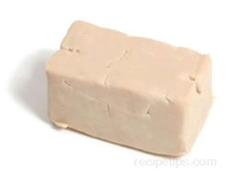 cake yeast picture 10