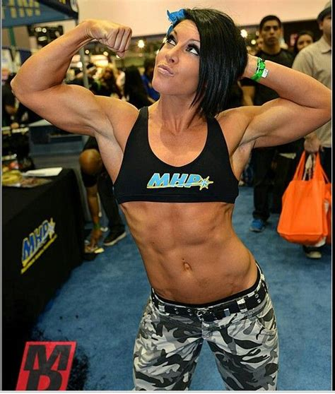 female p muscle picture 6