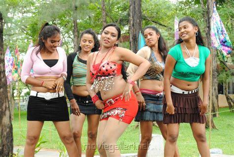 women ki chudai jungle me picture 11