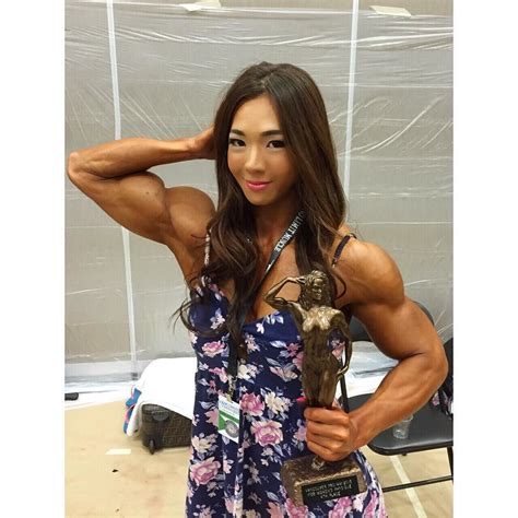 women lift and carry online picture 3