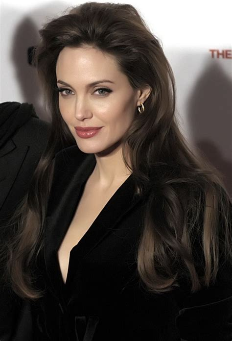 angelina jolie hair style picture 10