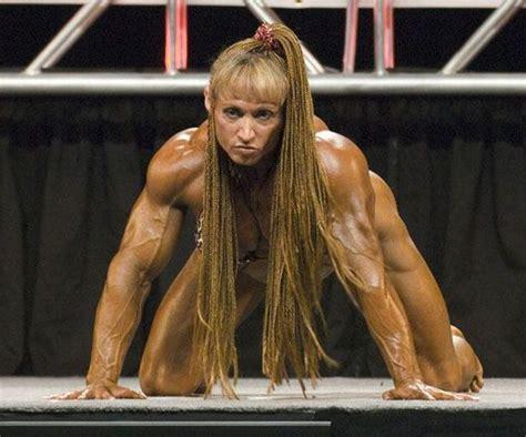 bodybuilder lift and carri picture 5