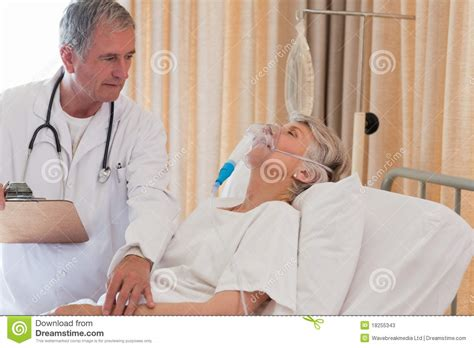 doctor examining his patient picture 3