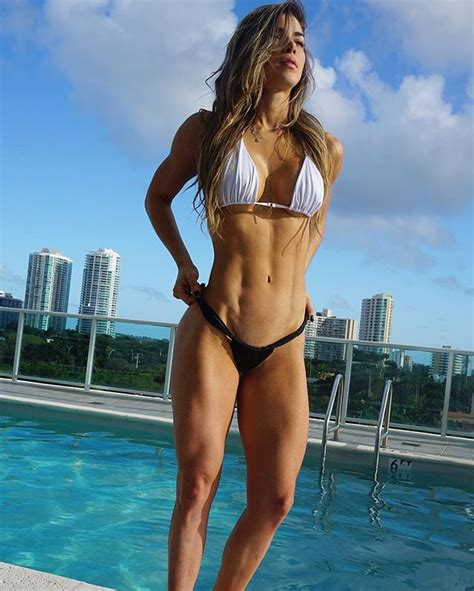 female muscle fiction picture 1