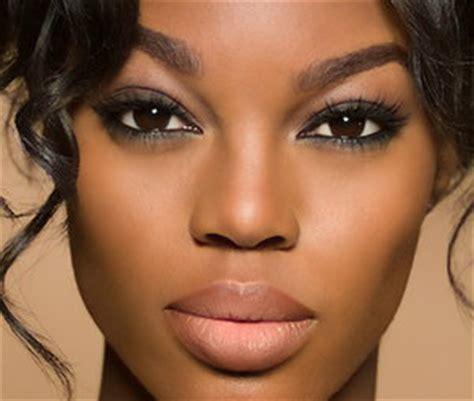 applying make up dark skin picture 10