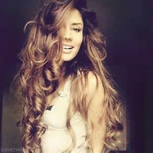 big and bouncy hair styles for prom picture 5