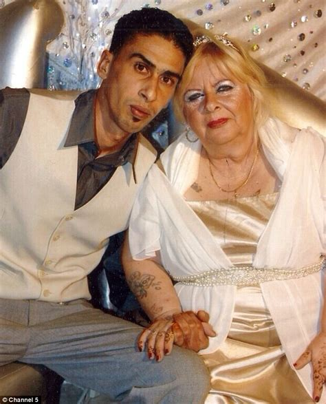 old women and younger boy sex picture 4