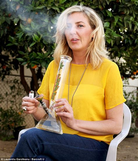 moms who smoke pot picture 1